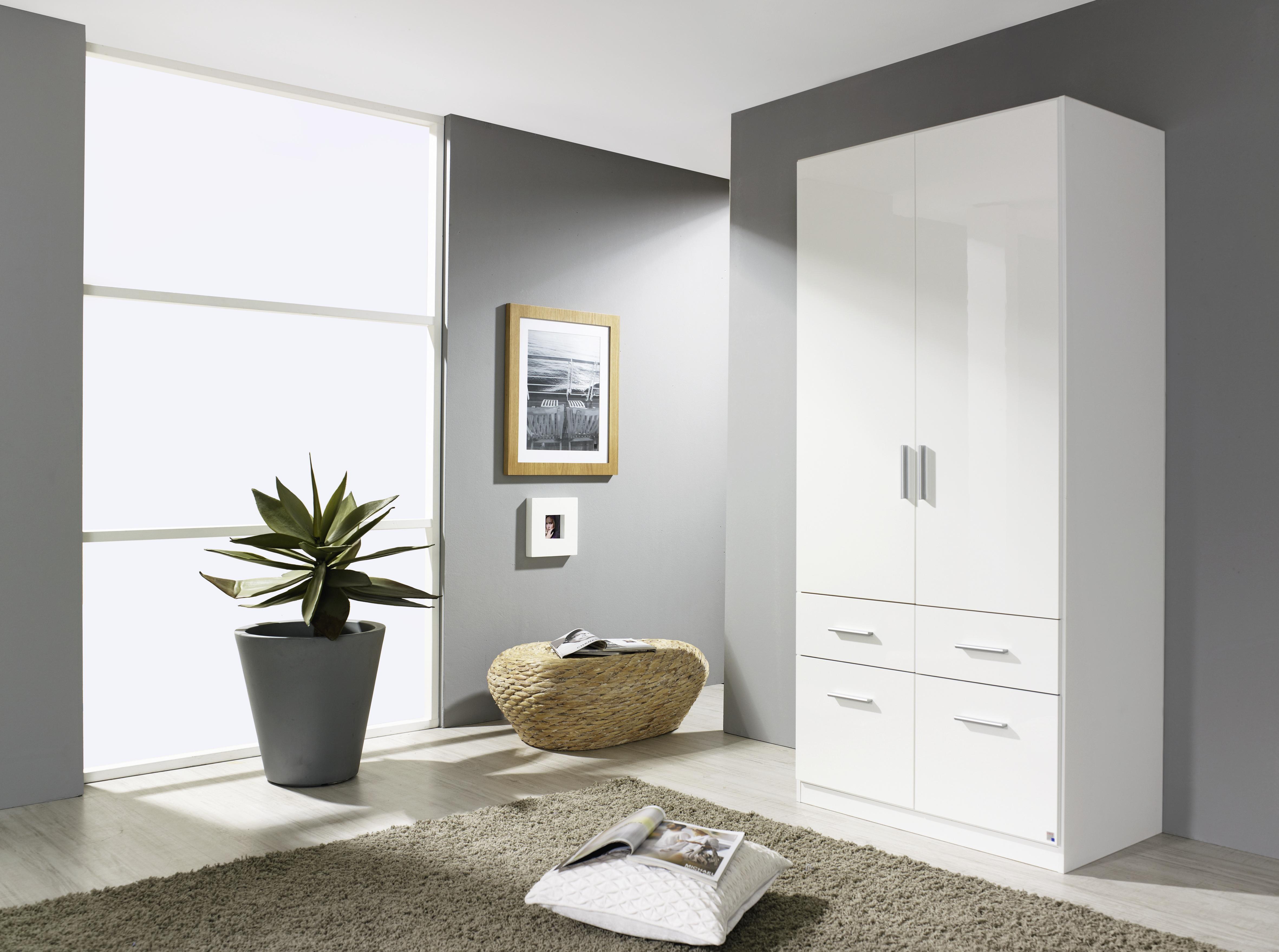 Купить белый глянцевый распашной шкаф гламур 15 можно здесь!.